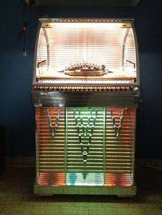 Rock And Roll, Design Homes, House Design, Record Player, Vintage Guitars, Guitar Amp, Mid Century Modern Design, Radios, Jukebox