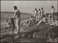 Finnish Bathers (WW2) (Source: http://sa-kuva.fi)