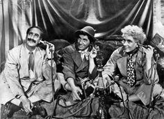 Marx Brothers a Night in Casablanca - Bing images Casablanca Movie, Irving Thalberg, All Jokes, Groucho Marx, Vhs Movie, Story Structure, The Brethren, Paramount Pictures, Comedians