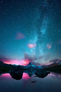 Milky Way - Islandia (Vía Láctea) MoreIceland. Milky Way - Islandia (Vía Láctea) Beautiful Sky, Beautiful Landscapes, Beautiful World, Beautiful Places, Ciel Nocturne, Milky Way, Science And Nature, Nature Nature, Night Skies