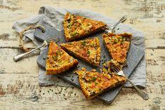 Suppilovahveropiirakka Vegetable Pizza, Good Food, Bread, Baking, Vegetables, Recipes, Drink, Kitchen, Inspiration