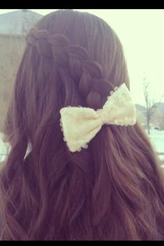 Pancake Lace Braid by Brooklyn and Bailey from CuteGirlsHairstyles. This is so beautiful and very easy!