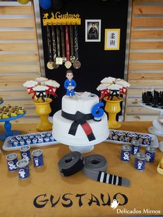 Aniversário 6 anos - Jiu-jitsu Jiu Jitsu, 13th Birthday Parties, Birthday Party Themes, Karate Party, Taekwondo Girl, Ludo, Ninja Party, Pastel, Party Time