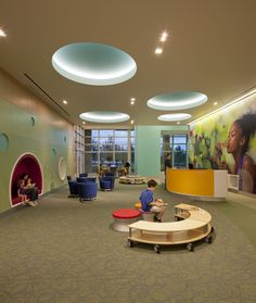 Nemours Children's Hospital in Orlando, Florida, designed by Atlanta architectural firm Stanley Beaman & Sears. Photographed by Jonathan Hillyer. Healthcare Architecture, Healthcare Design, Architecture Design, Children's Clinic, Hospital Room, Hospital Design, Clinic Design, Childrens Hospital, Kids Hospital
