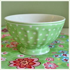 I have this little greengate bowl!