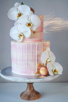 Delicious And Trendy Drip Wedding Cakes ❤ See more: http://www.weddingforward.com/drip-wedding-cakes/ #weddings