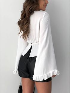 Ideas clothes for women in casual white blazers Trendy Outfits For Teens, Cool Outfits, Casual Outfits, Clothes For Women In 30's, Blouses For Women, Blouse Styles, Blouse Designs, White Fashion, Trendy Fashion