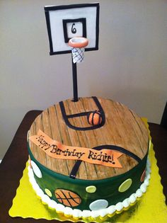 Basketball Court Cake cakepins.com