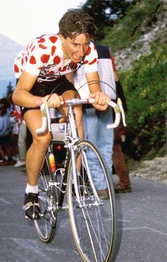 Philippa York previously known as Robert Millar born 13 September 1958 is a Scottish journalist and former professional road racing cyclist Robert millar Cycling News, Cycling Art, Vintage Cycles, Vintage Racing, Cycle Pic, Peugeot, France Team, Rugby, Retro