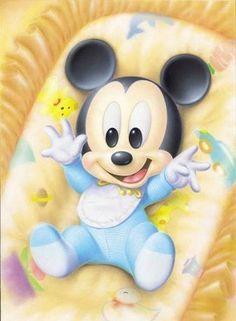 Láminas Infantiles y para Adolescentes (pág. 183) | Aprender manualidades es facilisimo.com Baby Mickey Mouse, Mickey Mouse Y Amigos, Mickey Mouse And Friends, Disney Babys, Cute Disney, Disney Art, Walt Disney, Hades Disney, Mickey Mouse Imagenes
