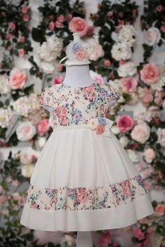 Cute dress for inspiration Baby Girl Dresses, Baby Dress, Cute Dresses, Flower Girl Dresses, Little Girl Outfits, Little Girl Dresses, Kids Outfits, Party Frocks, Kids Frocks