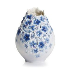 this is gorgeous a slightly wrn, modern mix in blue & white