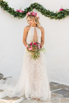 The grand peninsula of the Athens Riviera was the backdrop of this stunning styled bohemian chic and romantic celebration of love! Bohemian Chic Fashion, Bohemian Style, Dear Future Husband, Wedding Moments, Wedding Gowns, Dream Wedding, Dress Up, Flower Girl Dresses, Athens