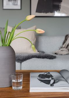 Färgkombo Interior Styling, Interior Decorating, Peaceful Home, Scandinavian Interior, Home Fashion, Planter Pots, House Design, House Styles, Simple