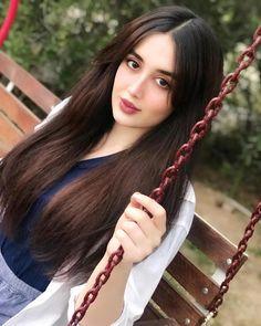 5 Dress Styles That Will Make You Look Thinner – Shopping Fashion Beautiful Girl Photo, Cute Girl Photo, Beautiful Girl Indian, Cute Beauty, Beauty Full Girl, Beauty Women, Stylish Girl Images, Stylish Girl Pic, Iranian Beauty