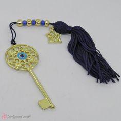 Γούρι 2020 με χρυσό μεταλλικό κλειδί με μπλε μάτι σμάλτο Good Luck, Charms, Personalized Items, Best Of Luck, Pendants