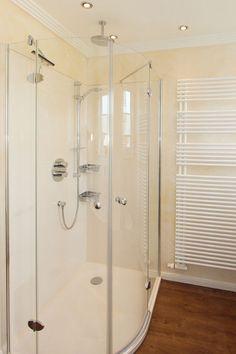 Dusche Und Wände Fugenlos   Problemlose Reinigung Und Garantiert Größere  Raumwirkung Für Kleine Bäder.