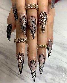 Edgy Nails, Glam Nails, Dope Nails, Bling Nails, Stylish Nails, Simple Stiletto Nails, Edgy Nail Art, Stiletto Nails Glitter, Gothic Nail Art