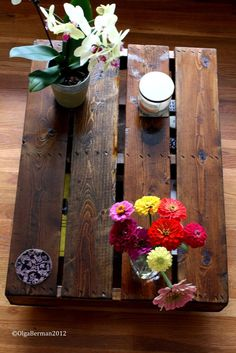 Make Your Own Pallet Coffee Table via Mango & Tomato