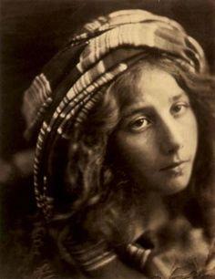 JULIA MARGARET CAMERON (1815 - 1879)