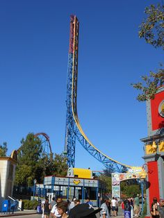 Six Flags Magic Mountain - Superman: Escape from Krypton Rollercoaster (Valencia, CA) @ http://youtu.be/3WQXxZmLMFQ