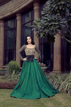 Absolutely beautiful emerald green dress! #MissionReality