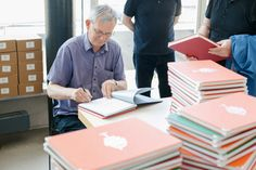 One of the most important annual forums in the world of photography books. Martin Parr, 10 Anniversary, Previous Year, Book Photography, Long Weekend, Photo Book, Menu, Books, Kassel