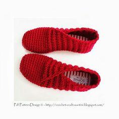 New Crochet Slippers For Girls Winter Ideas Crochet Crafts, Crochet Yarn, Crochet Projects, Crochet Slipper Boots, Knitted Slippers, Red Slippers, Knitting Patterns, Slippers For Girls, Knitting