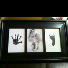 Newborn hand and footprint - Babygeschenk für Mädchen - Baby Diy Photo Bb, Foto Baby, Baby Memories, Baby Keepsake, Baby Art, Everything Baby, Newborn Pictures, Newborn Pics, New Baby Pictures