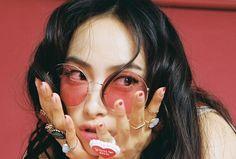 f(x) finally return as group with Victoria , Amber , Luna & Krystal on this October! On October f(x) first drop . Victoria Fx, Victoria Song, Kpop Girl Groups, Korean Girl Groups, Kpop Girls, Kiko Mizuhara, Sulli, Miraculous Ladybug, Shinee