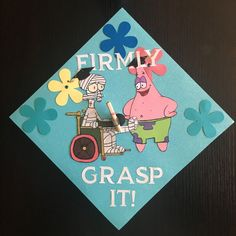 21 Graduation Caps That Are Truly, Truly ✨Extra✨ cap decoration 21 Graduation Caps That Are Truly, Truly ✨Extra✨ Funny Graduation Caps, Graduation Cap Designs, Graduation Cap Decoration, Graduation Diy, Funny Grad Cap Ideas, Decorated Graduation Caps, Graduation Quotes, Graduation Announcements, Graduation Invitations