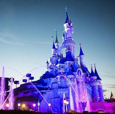 Disneyland Paris Castle, Disney Vacations, Disney Parks, Cathedral, Cathedrals