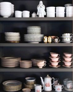 Dark shelving. Let's get ecletic luxury and elegant kitchens using modern, vintage or traditional decor elements and modern furniture. See more home design ideas at: http://www.homedesignideas.eu/ #interiors #contemporary