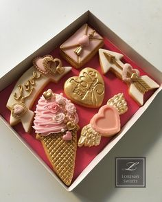 "55 Likes, 3 Comments - Lorena Rodriguez (@lorenarodriguezsaenz) on Instagram: ""Lorena Rodriguez. Valentine's cookies . Pretty in Pink . #lovecookies #decoratedcookies…"""