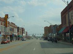 Route 66 through downtown Vinita. Oklahoma's second oldest city.