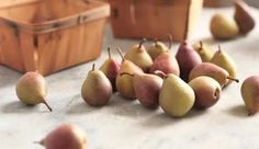 Pears with wooden baskets — Vídeo stock: