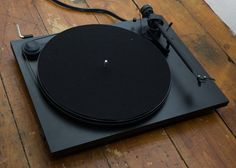 Pro-ject_essential_ii_turntable