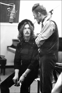 Eric Clapton & Ginger Baker during the 'Wheels Of Fire' recording sessions, Jan/Feb 1968 Photo by Linda McCartney