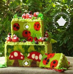 """""""Forest Fantasy"""" - Toadstools and Ladybirds Inside Cake I have no words for my amazement :) Crazy Cakes, Fancy Cakes, Bolo Hippie, Fondant Cakes, Cupcake Cakes, Owl Cupcakes, Fruit Cakes, Ladybird Cake, Mushroom Cake"""