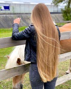 Long Silky Hair, Silky Smooth Hair, Very Long Hair, Perfect Blonde Hair, Glossy Hair, Long Face Hairstyles, Silk Hair, Beautiful Long Hair, Great Hair