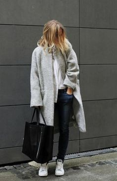 trending: the grey coat - comfy winter coat worn with skinny jeans and sneakers