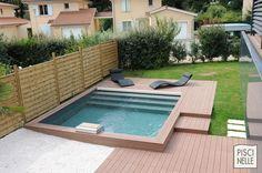 Une piscine Piscinelle carrée à Lyon.
