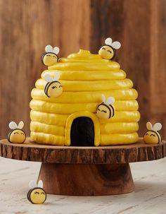Babee Shower - Honey Cake Recipe from Rosanna Pansino's Baking All Year Round. Babee Shower Babee Birthday What Will Baby Bee? Crazy Cakes, Bee Cakes, Cupcake Cakes, Pink Cakes, Bee Birthday Cake, Bumble Bee Birthday, Baby First Birthday, Bee Hive Cake, Bumble Bee Cake