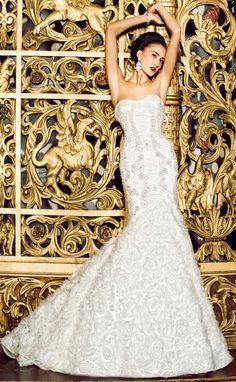 Yumi Katsura Fall/Winter 2013/2014. What a beautiful wedding dress this is!