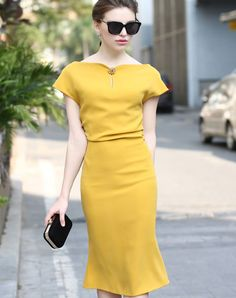 #VIPme Yellow Boat Neck Short Sleeve Bodycon Fishtail Midi Dress ❤️ Get more outfit ideas and style inspiration from fashion designers at VIPme.com.