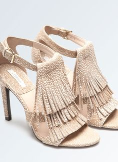 Uterqüe United Kingdom - White sandals with fringing
