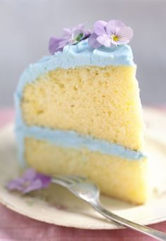 Gorgeous purple and blue fluffy vanilla cake recipe- looks just as tasty as it is beautiful!