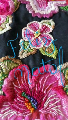 Mexican Embroidery, Folk Embroidery, Learn Embroidery, Beaded Embroidery, Hand Embroidery Videos, Hand Embroidery Stitches, Embroidery Techniques, Embroidery Patterns, Brazilian Embroidery