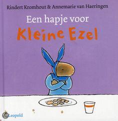 Rindert Kromhout - Een hapje voor kleine Ezel | Leopold 2013, 24 pagina's | illustraties van Annemarie van Haeringen | er is een hele serie over Kleine Ezel | 'Mondje open, doe maar hap.' Maar de buik van Kleine Ezel zegt nee... | http://www.bol.com/nl/p/een-hapje-voor-kleine-ezel/9200000006516942/