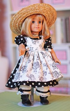 Olabelhe....doll clothes to match the baby doll child...luv this one